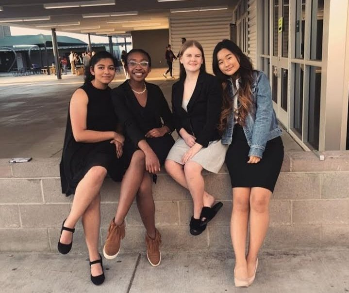 Ananya Lakhotia, Skylar Hudson, Shannon McKenna, and Yoojin Han (from left to right) take a break before more competition!